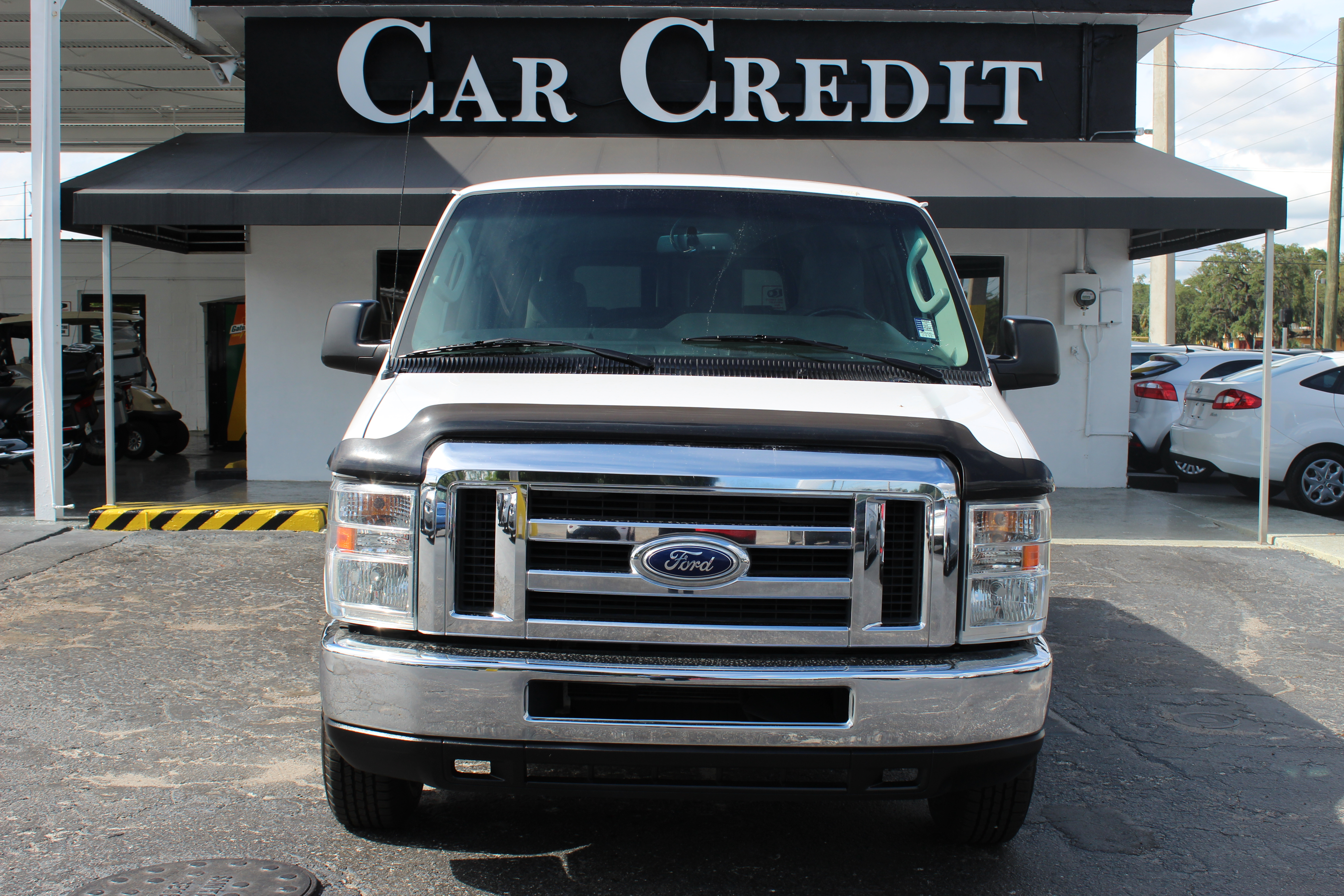 Pre-Owned 2014 Ford Econoline Wagon XLT
