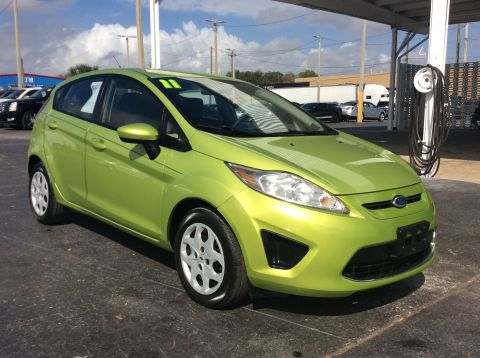 Pre-Owned 2011 Ford Fiesta SE