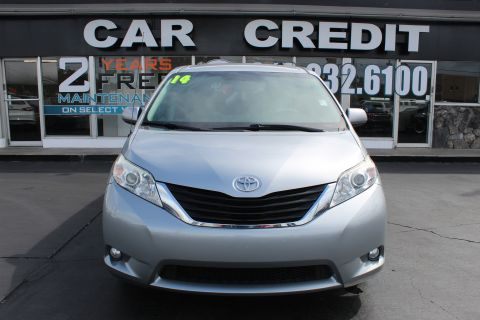 Pre-Owned 2014 Toyota Sienna